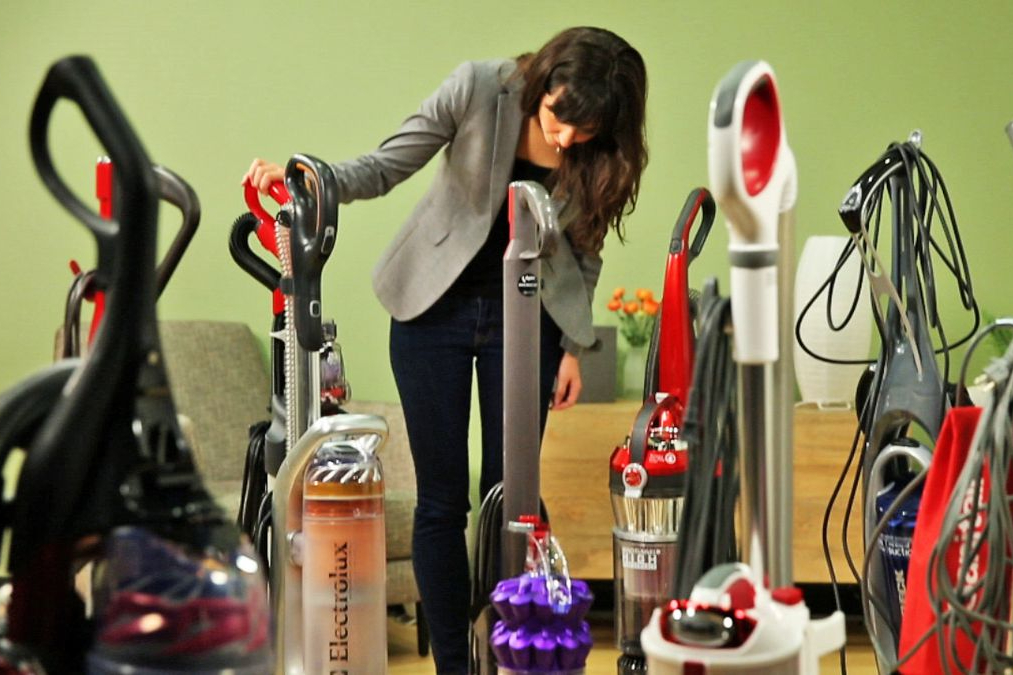 7 Decisions You Need to Make To Select the Best Vacuum Cleaner for YOUR Home…